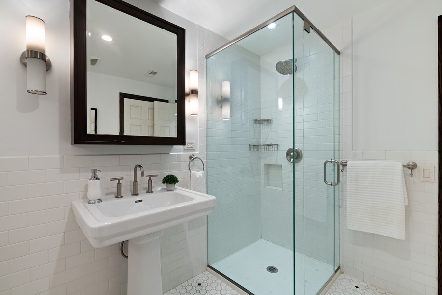 Real Estate Photography - 1234 N Dearborn St, Unit GR, Chicago, IL, 60610 - Master Bath 3