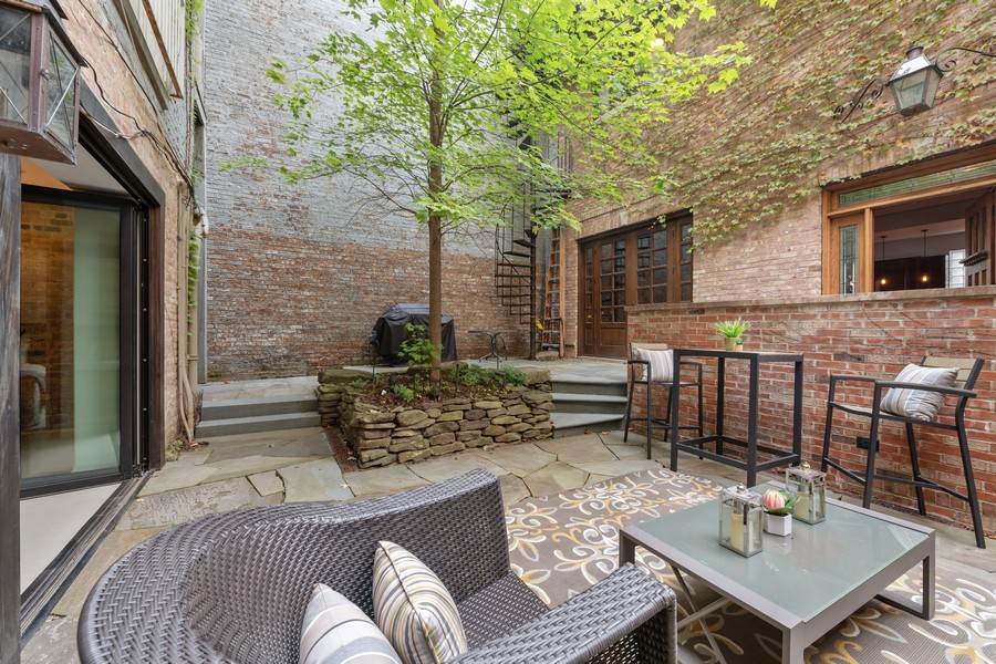 Real Estate Photography - 1234 N Dearborn St, Unit GR, Chicago, IL, 60610 -