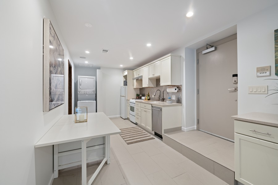 Real Estate Photography - 1234 N Dearborn St, Unit GR, Chicago, IL, 60610 - Kitchen
