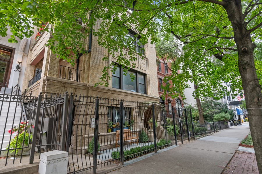 Real Estate Photography - 1234 N Dearborn St, Unit GR, Chicago, IL, 60610 - Front View