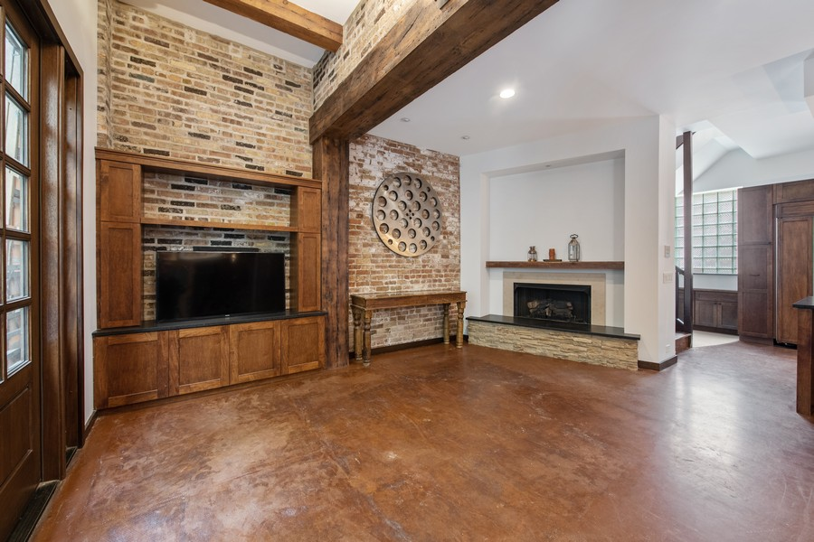 Real Estate Photography - 1234 N Dearborn St, Unit CH, Chicago, IL, 60610 - CH fireplace