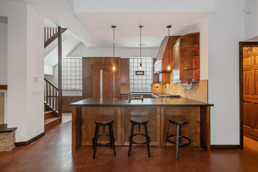 Real Estate Photography - 1234 N Dearborn St, Unit CH, Chicago, IL, 60610 - Kitchen / Breakfast Room