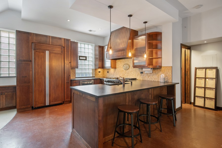 Real Estate Photography - 1234 N Dearborn St, Unit CH, Chicago, IL, 60610 - Kitchen 4