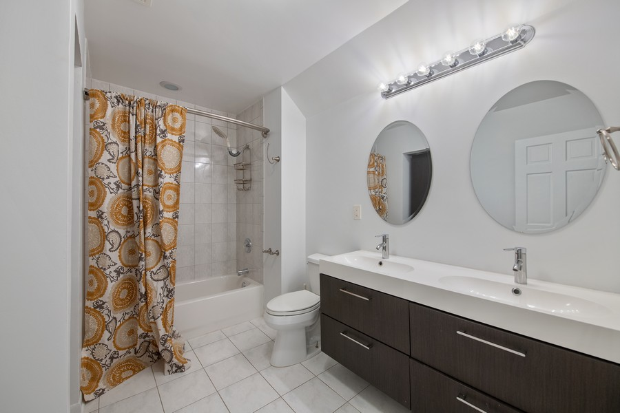 Real Estate Photography - 1234 N Dearborn St, Unit CH, Chicago, IL, 60610 - 2nd Bathroom
