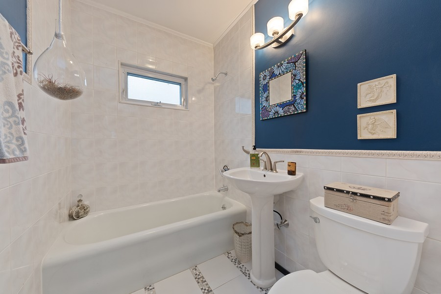 Real Estate Photography - 120 S. Stone, LaGrange, IL, 60525 - 2nd Bathroom