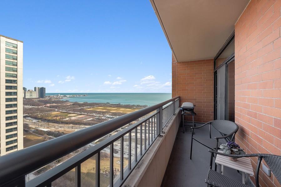 Real Estate Photography - 1160 S Michigan Ave, Unit 3304, Chicago, IL, 60605 - Terrace
