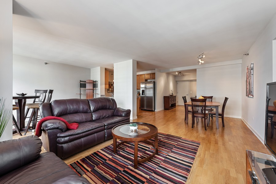 Real Estate Photography - 1160 S Michigan Ave, Unit 3304, Chicago, IL, 60605 - Living Room