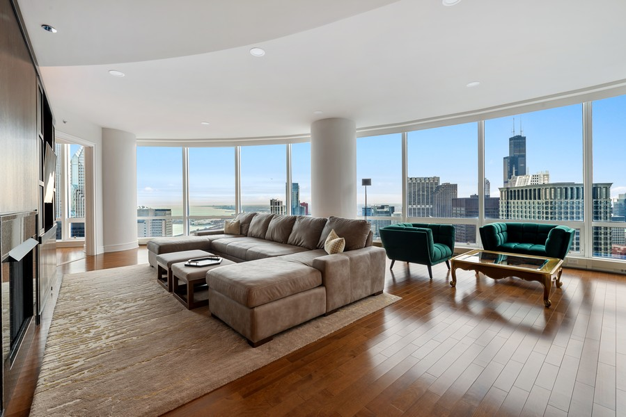 Real Estate Photography - 401 N Wabash, Unit 47G, Chicago, IL, 60611 - Living Room