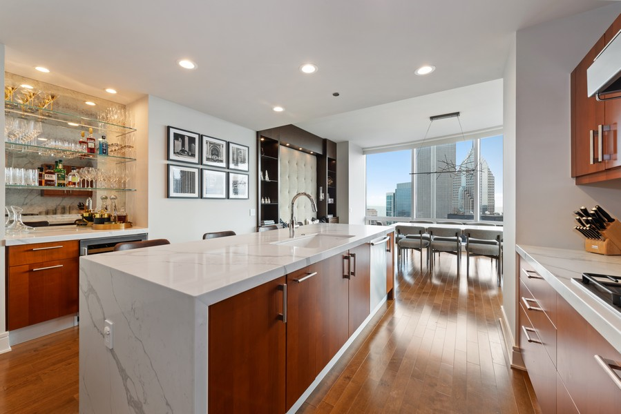 Real Estate Photography - 401 N Wabash, Unit 47G, Chicago, IL, 60611 - Kitchen