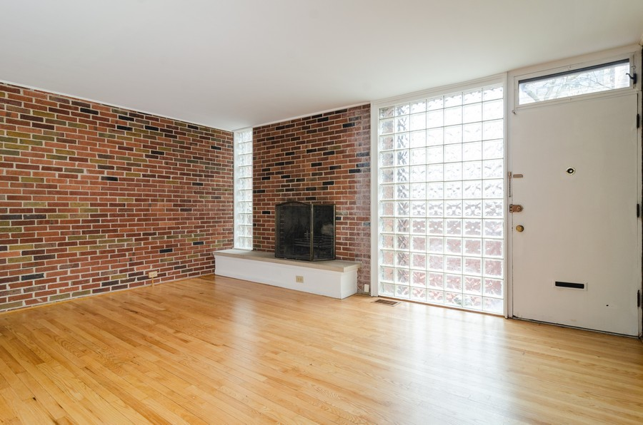 Real Estate Photography - 1844 N Mohawk St, Unit A, Chicago, IL, 60614 - Living Room