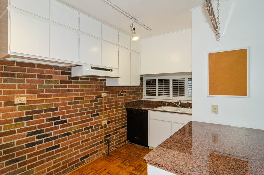 Real Estate Photography - 1844 N Mohawk St, Unit A, Chicago, IL, 60614 - Kitchen