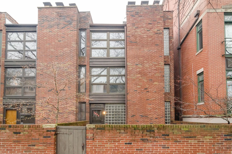 Real Estate Photography - 1844 N Mohawk St, Unit A, Chicago, IL, 60614 - Front View