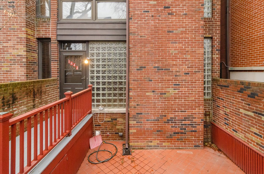 Real Estate Photography - 1844 N Mohawk St, Unit A, Chicago, IL, 60614 - Patio