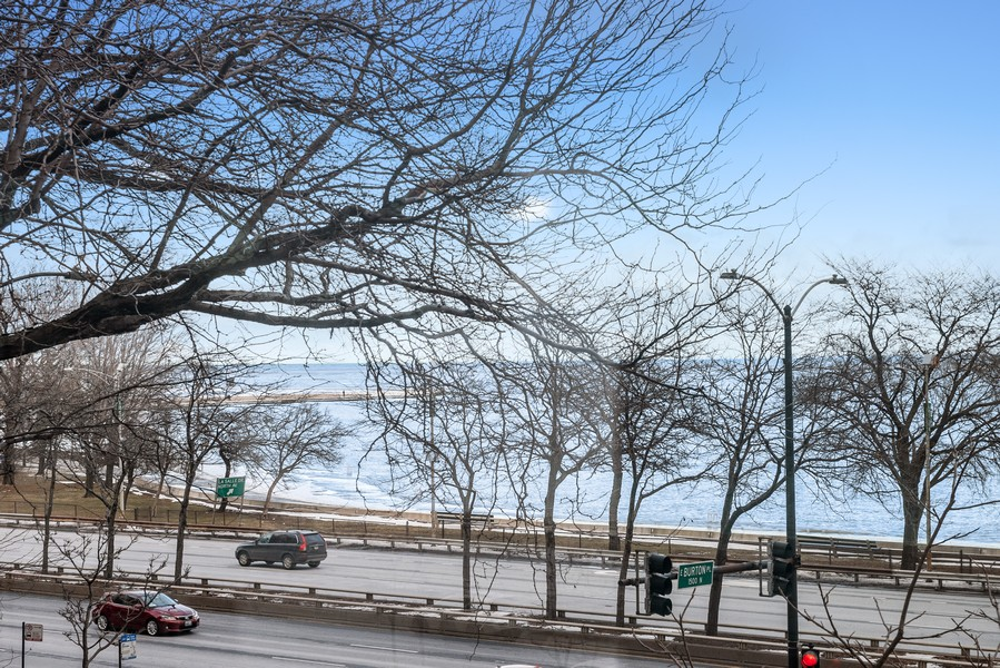 Real Estate Photography - 1448 N Lakeshore Dr, Apt 3B, Chicago, IL, 60610 -
