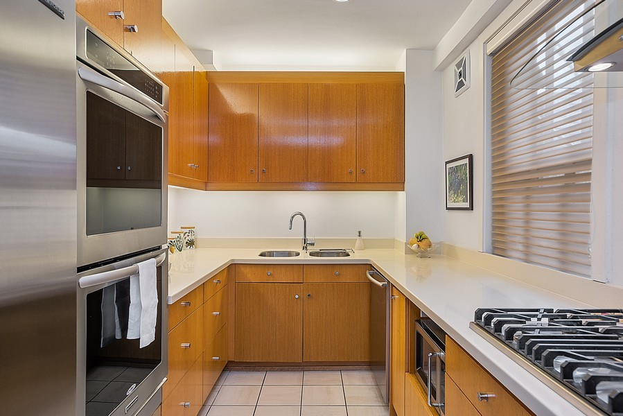 Real Estate Photography - 1448 N Lakeshore Dr, Apt 3B, Chicago, IL, 60610 - Kitchen