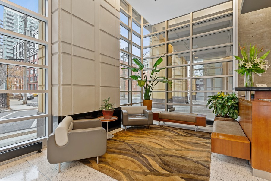 Real Estate Photography - 700 N Larrabee Dr, 1412, Chicago, IL, 60654 - Lobby