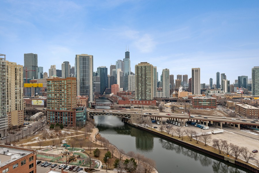 Real Estate Photography - 700 N Larrabee Dr, 1412, Chicago, IL, 60654 - View