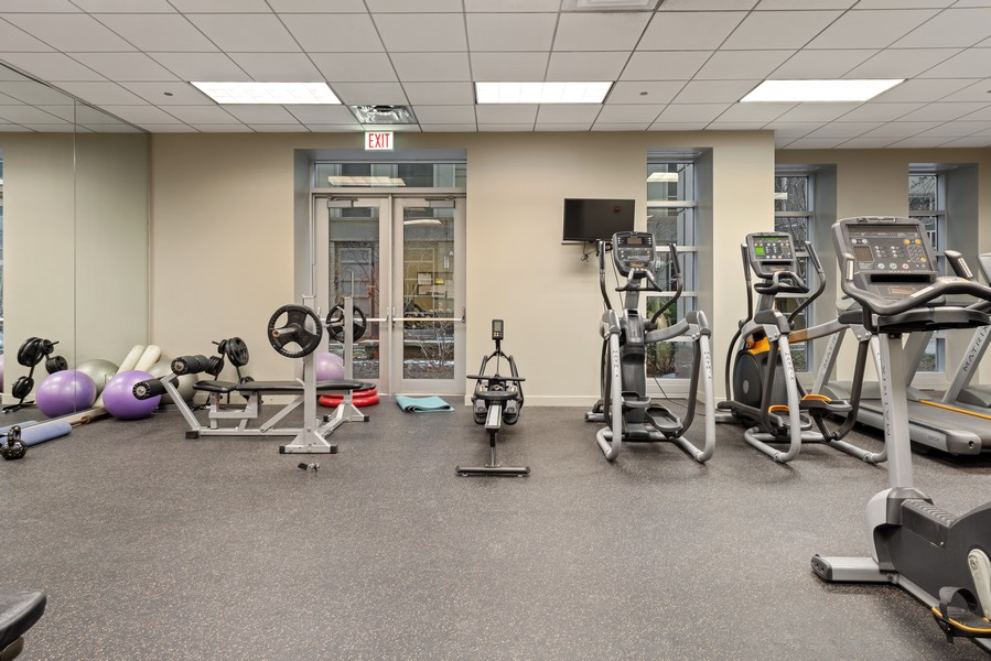 Real Estate Photography - 700 N Larrabee Dr, 1412, Chicago, IL, 60654 - Gym