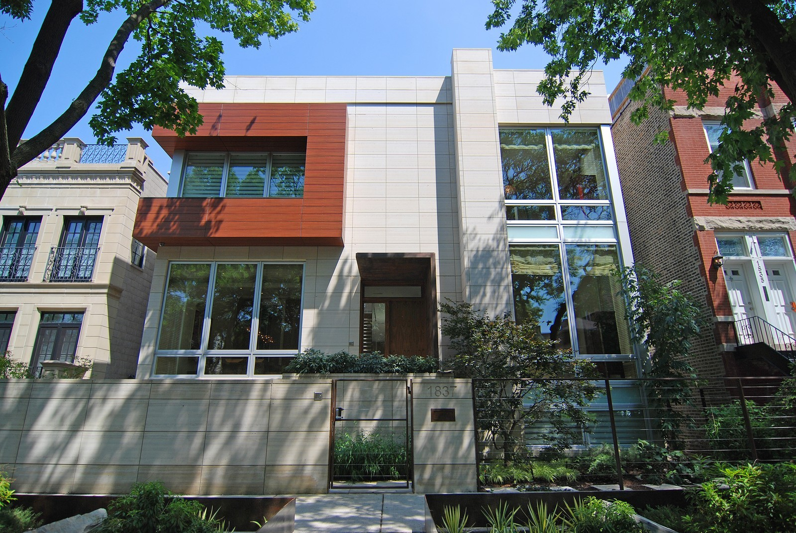 Real Estate Photography - 1837 N Winchester, Chicago, IL, 60622 - Front View