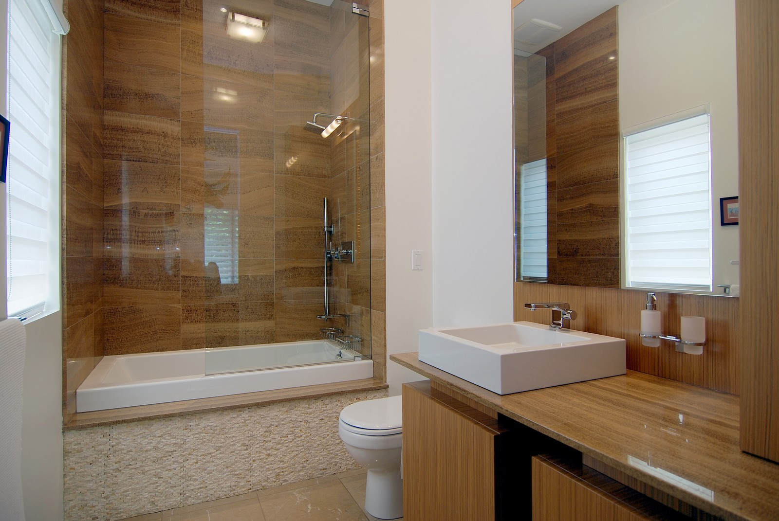 Real Estate Photography - 1837 N Winchester, Chicago, IL, 60622 - Bathroom
