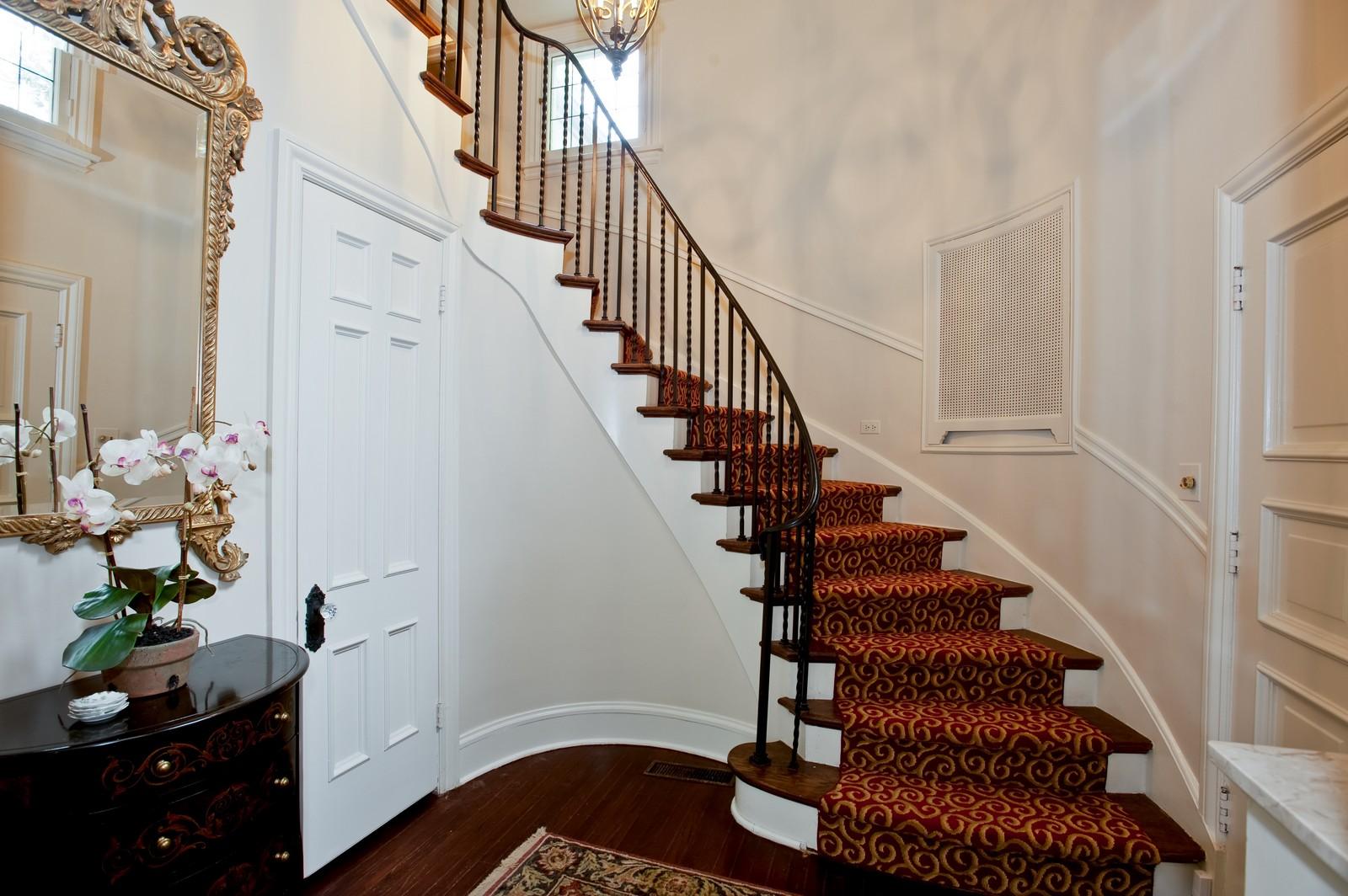 Real Estate Photography - 1161 Laurel, Winnetka, IL, 60093 - Foyer