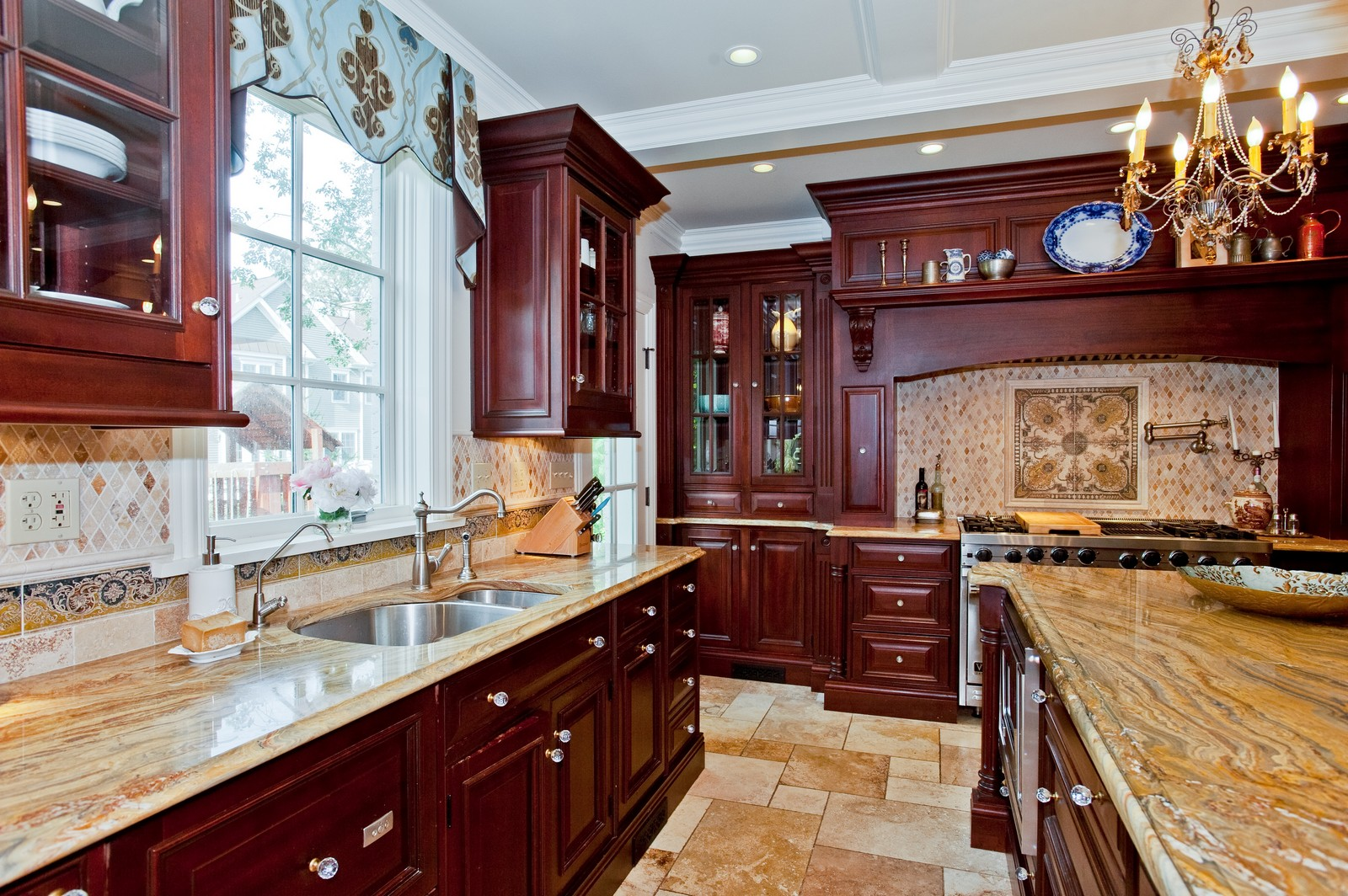 Real Estate Photography - 1161 Laurel, Winnetka, IL, 60093 - Kitchen