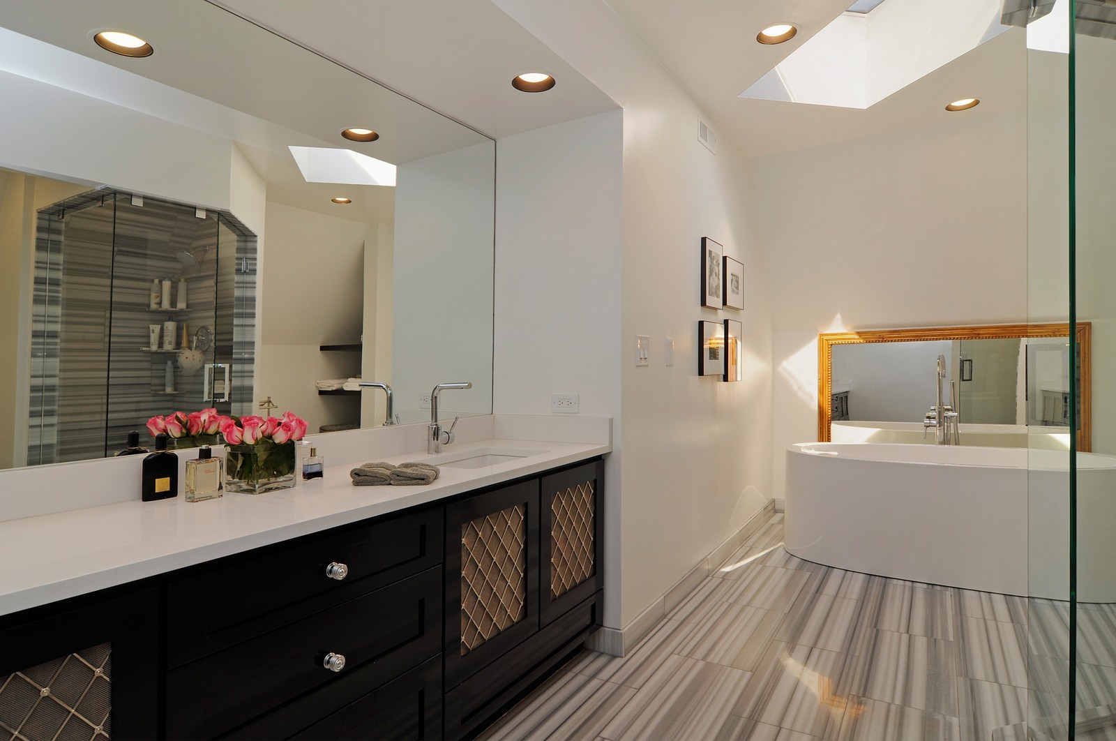 Real Estate Photography - 855 W Webster, Chicago, IL, 60614 - Master Bathroom