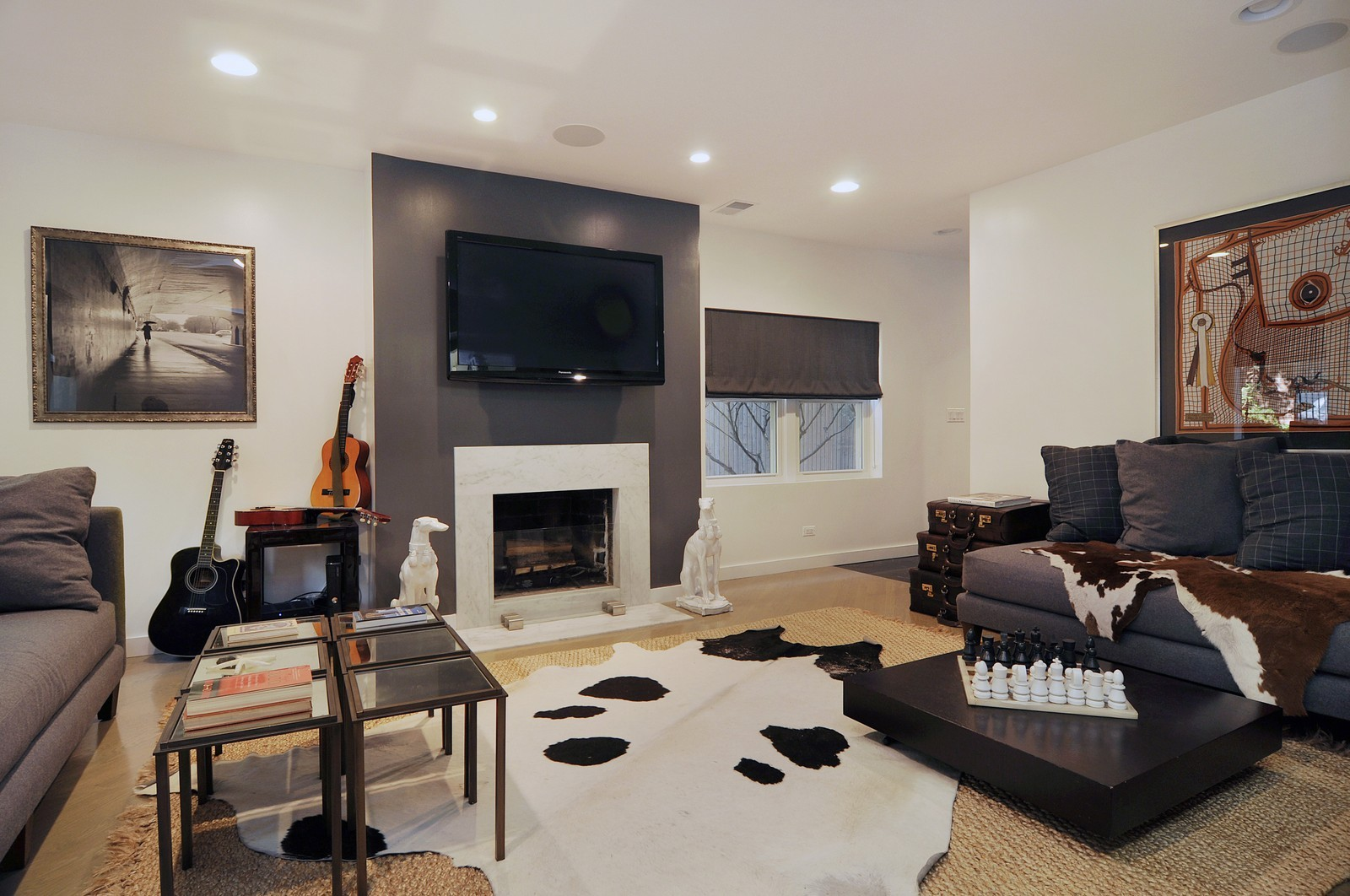 Real Estate Photography - 855 W Webster, Chicago, IL, 60614 - Family Room