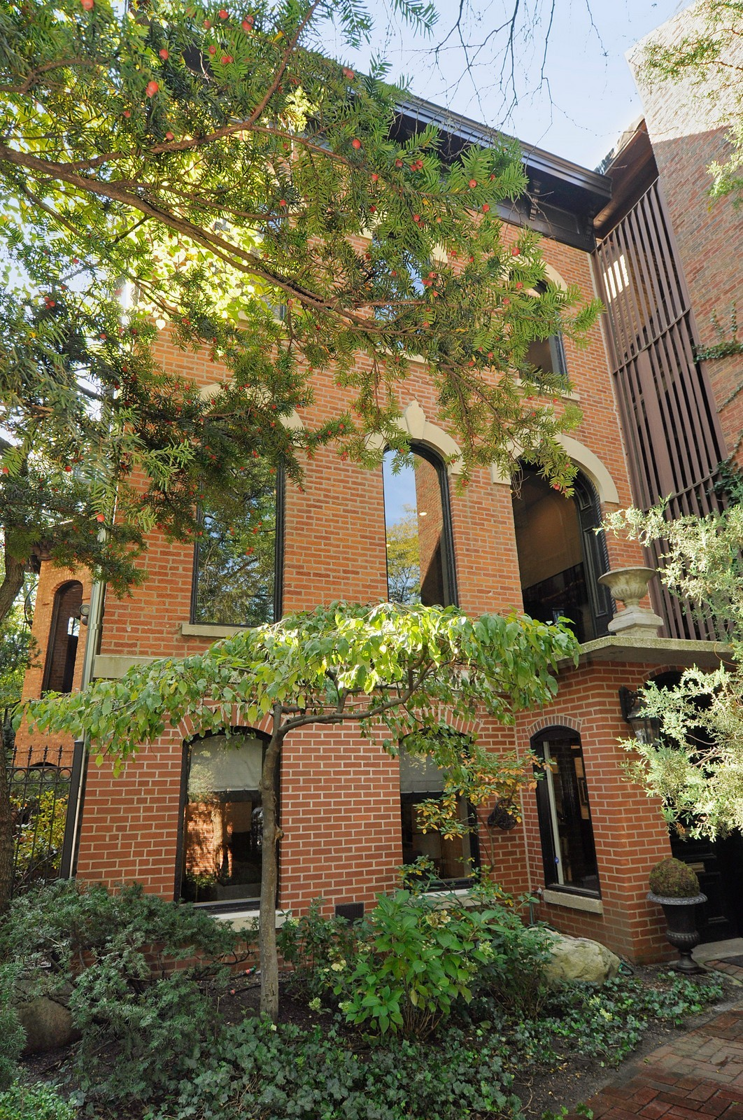 Real Estate Photography - 855 W Webster, Chicago, IL, 60614 - Front View
