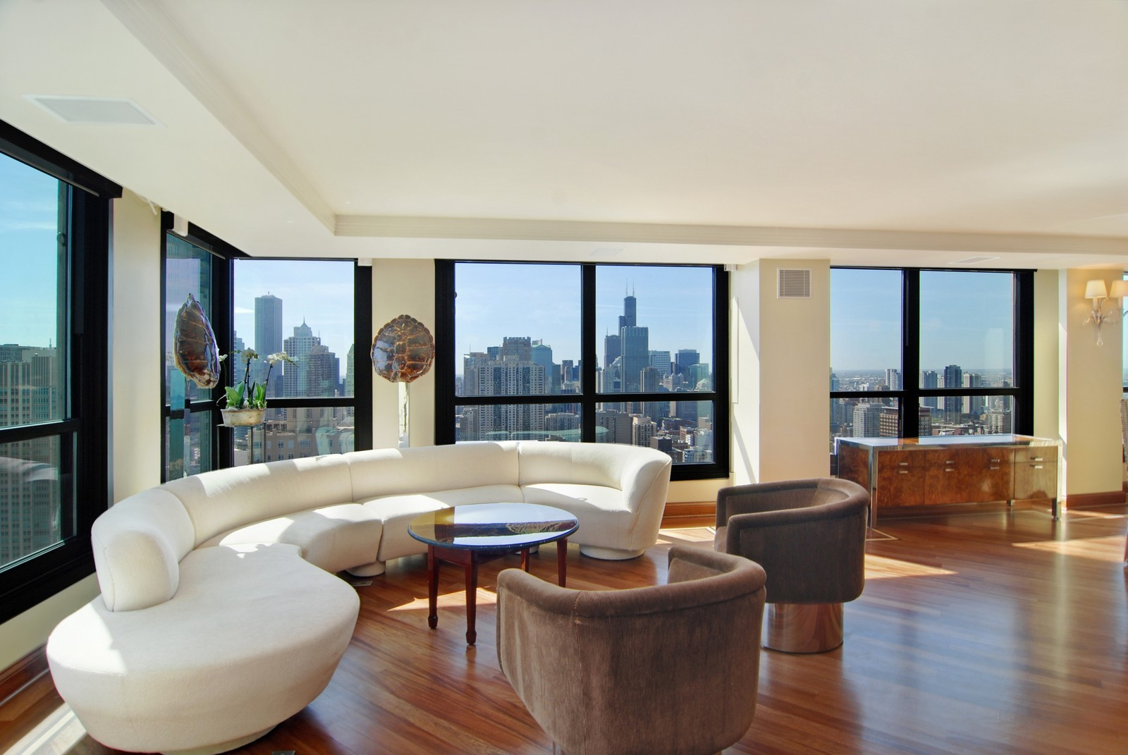 Real Estate Photography - 1030 N State, Unit 45G, Chicago, IL, 60610 - Living Room