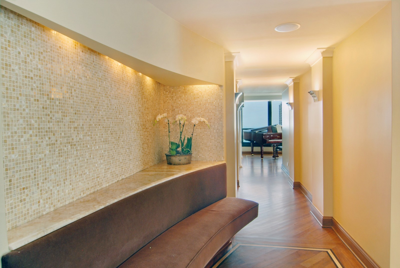 Real Estate Photography - 1030 N State, Unit 45G, Chicago, IL, 60610 - Foyer