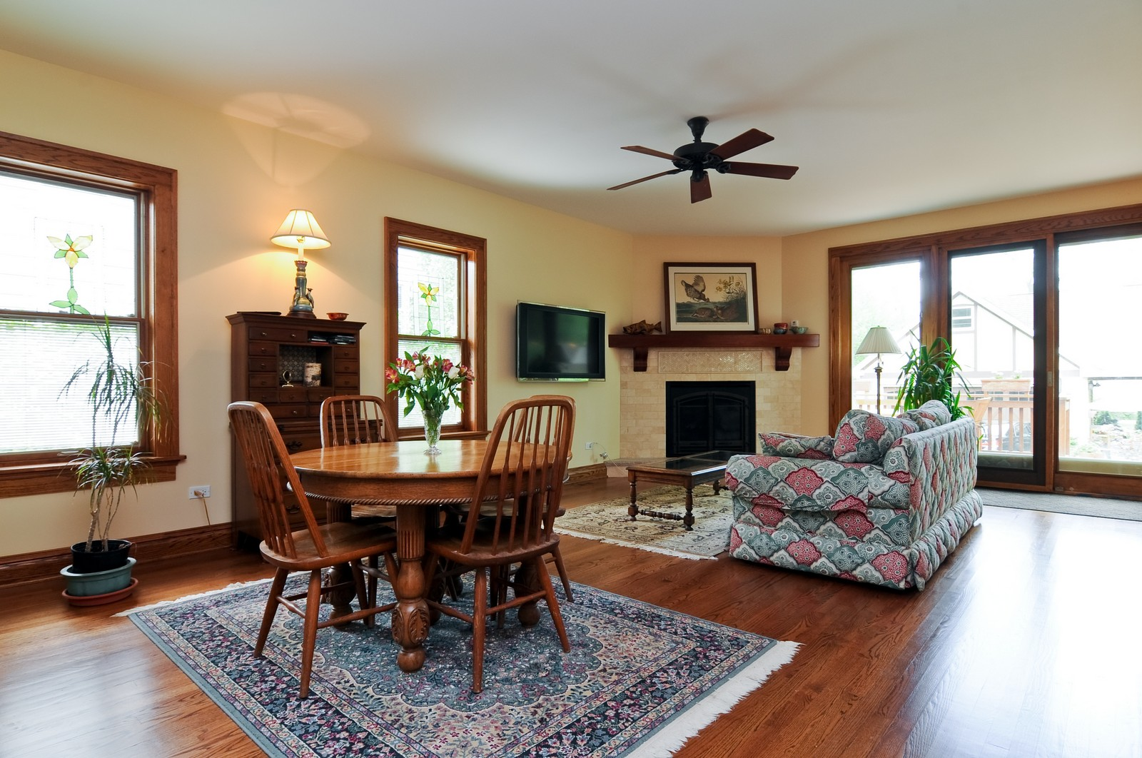 Real Estate Photography - 426 Spruce, Lake Forest, IL, 60045 - Living Room