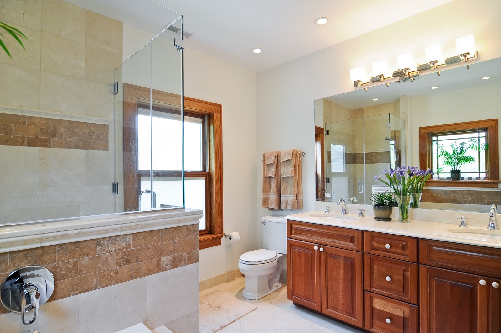 Real Estate Photography - 426 Spruce, Lake Forest, IL, 60045 - Master Bathroom