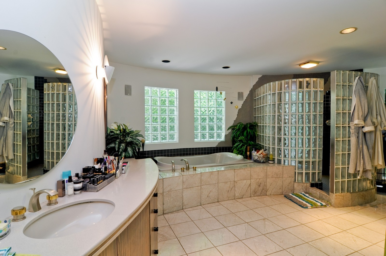 Real Estate Photography - 4 Dunsinane, Bannockburn, IL, 60015 - Master Bathroom