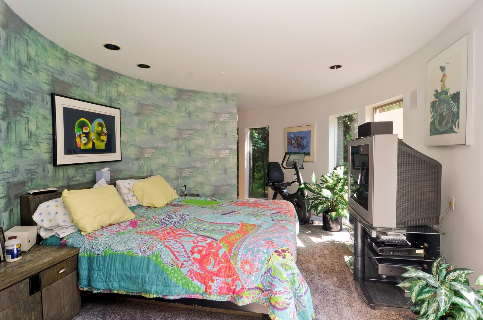 Real Estate Photography - 4 Dunsinane, Bannockburn, IL, 60015 - Master Bedroom