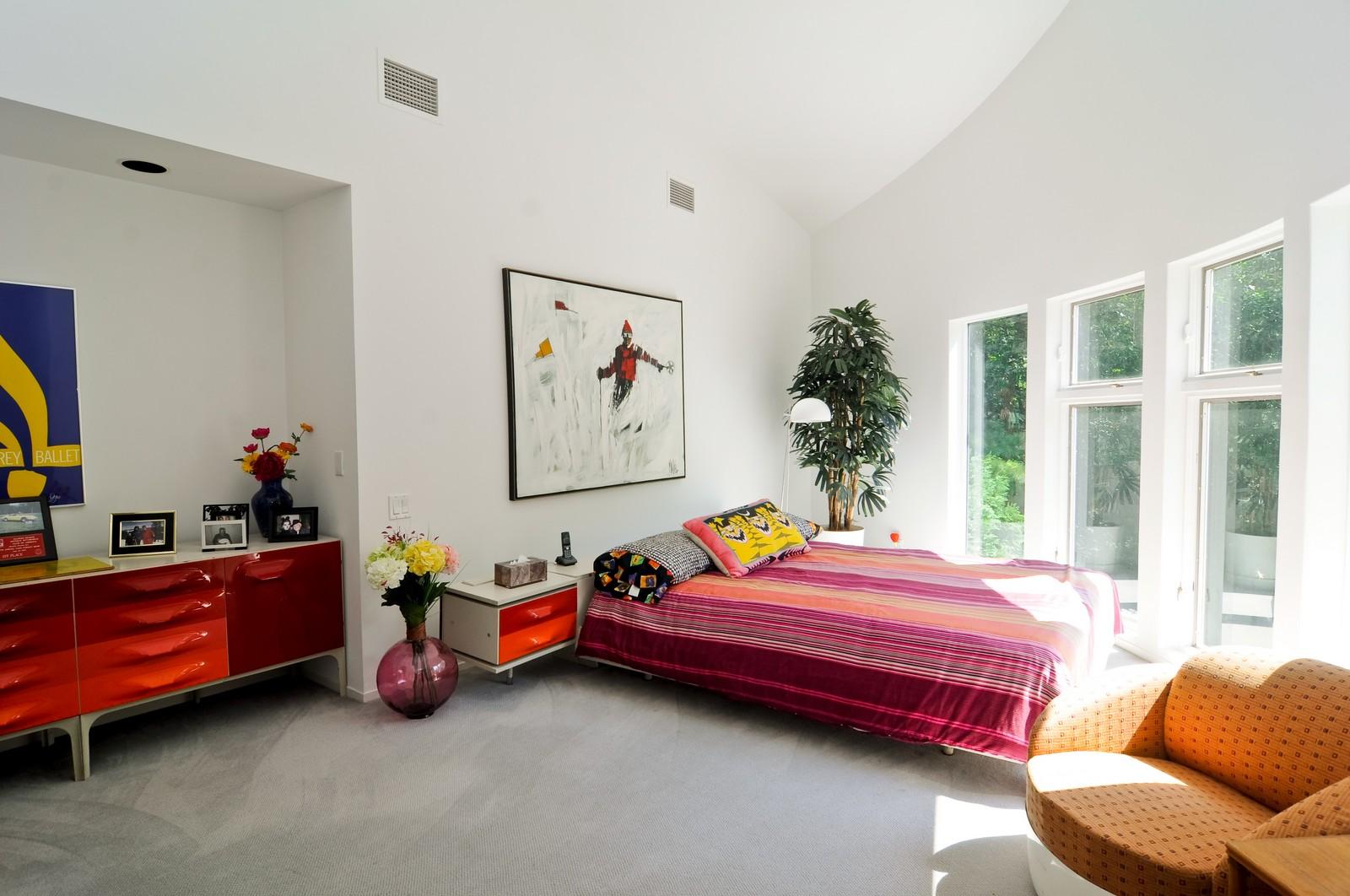 Real Estate Photography - 4 Dunsinane, Bannockburn, IL, 60015 - 2nd Bedroom