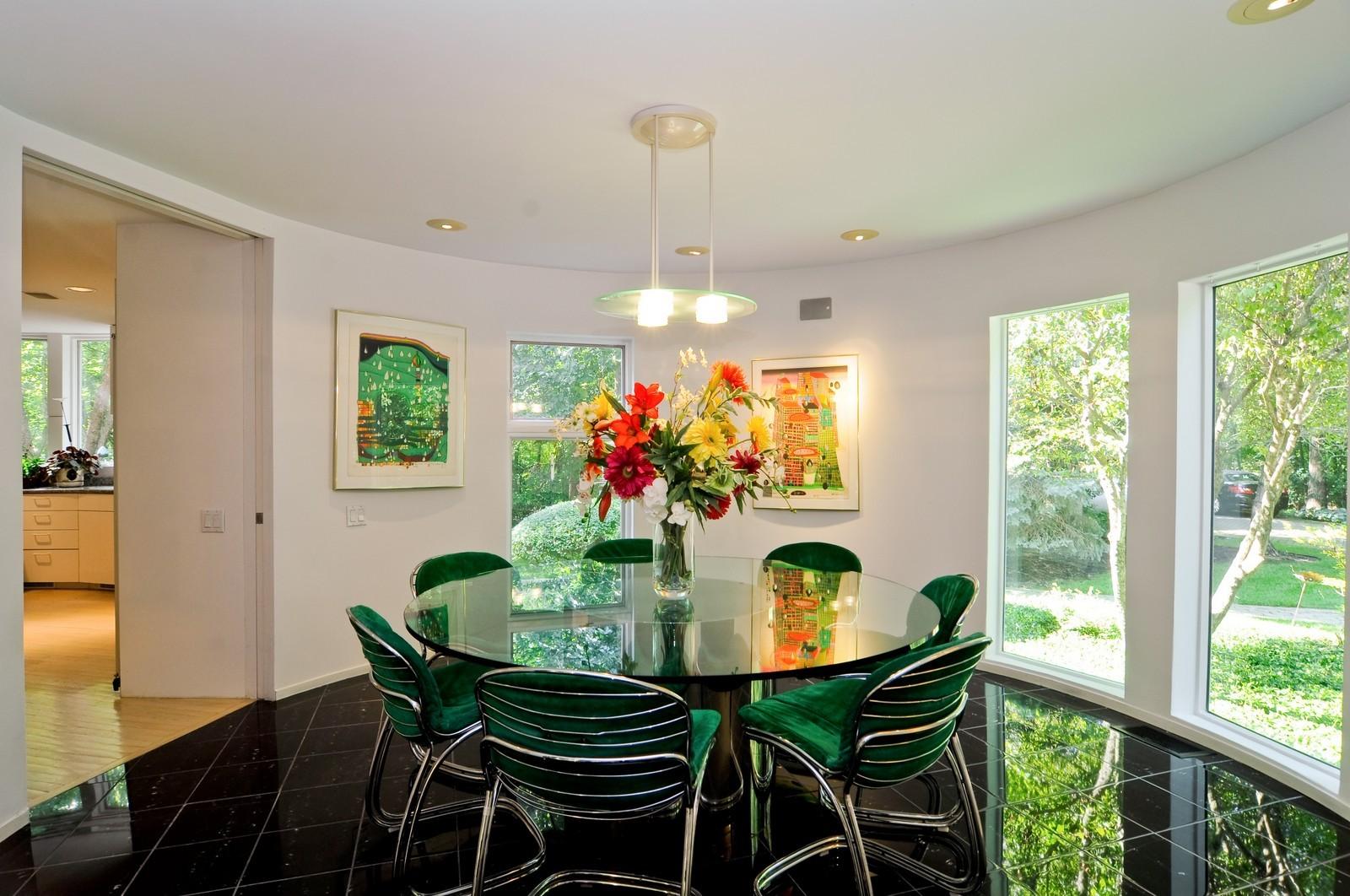 Real Estate Photography - 4 Dunsinane, Bannockburn, IL, 60015 - Dining Room