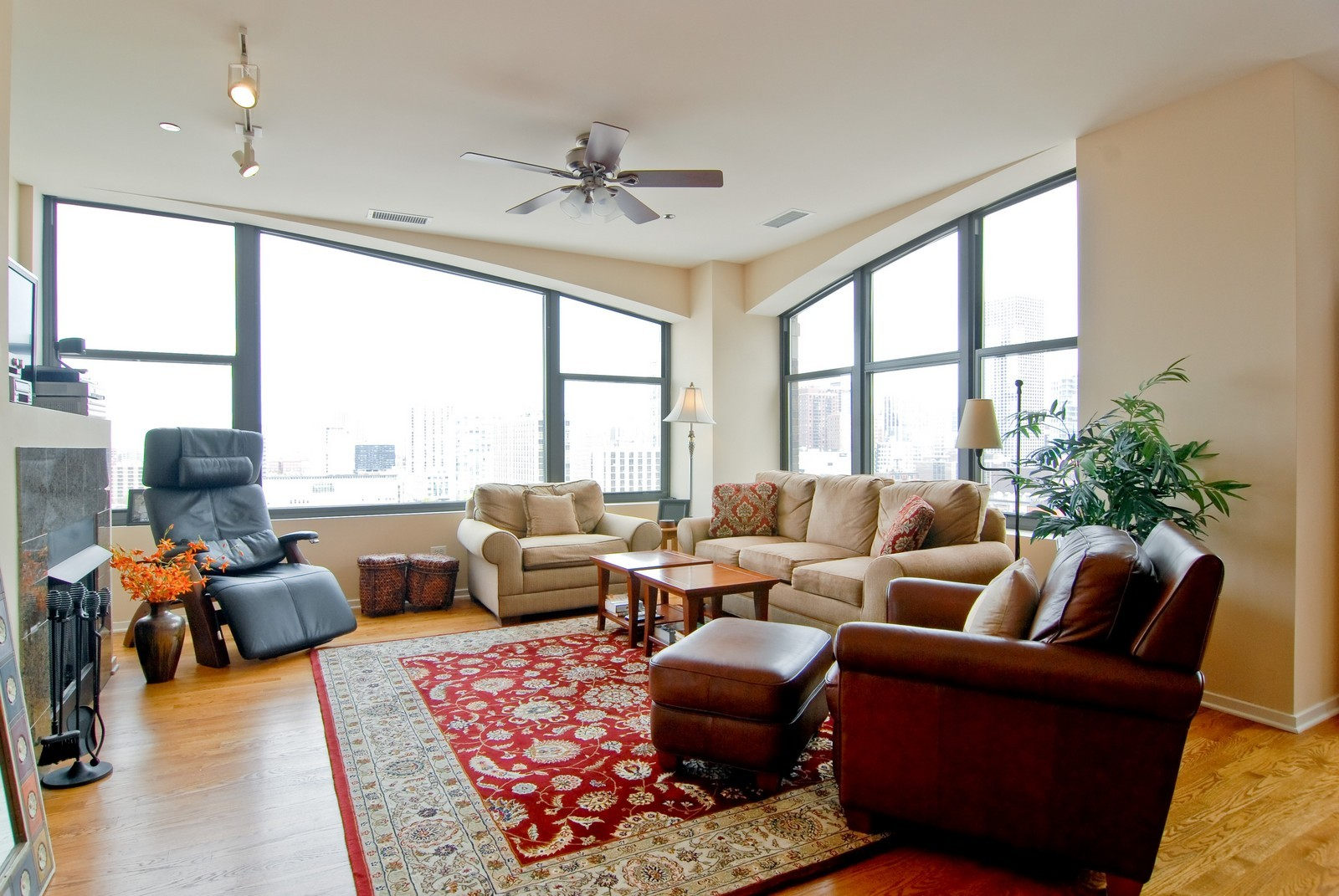 Real Estate Photography - 849 N. Franklin, 1107, Chicago, IL, 60610 - Living Room