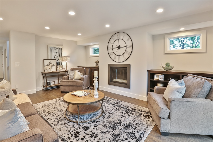 Real Estate Photography - 4513 Parkside Ln, Edina, MN, 55436 - Living Room