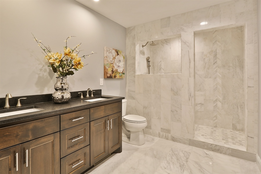 Real Estate Photography - 4513 Parkside Ln, Edina, MN, 55436 - Master Bathroom