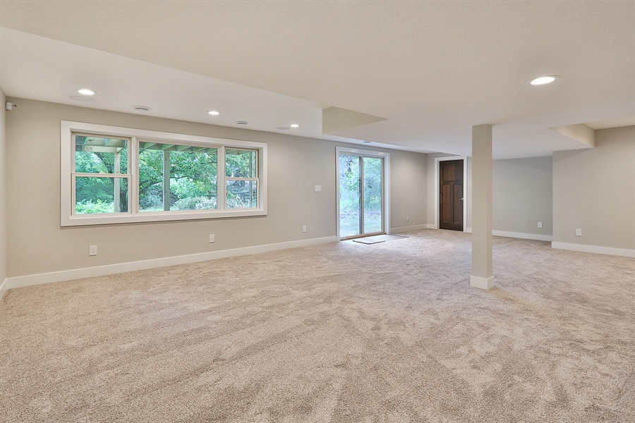 Real Estate Photography - 4513 Parkside Ln, Edina, MN, 55436 - Family Room