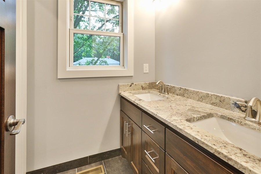 Real Estate Photography - 4513 Parkside Ln, Edina, MN, 55436 - 2nd Bathroom