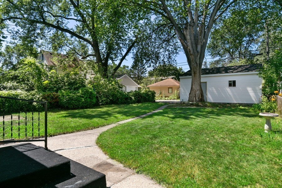 Real Estate Photography - 2844 S 38th Ave, Minneapolis, MN, 55406 - Back Yard