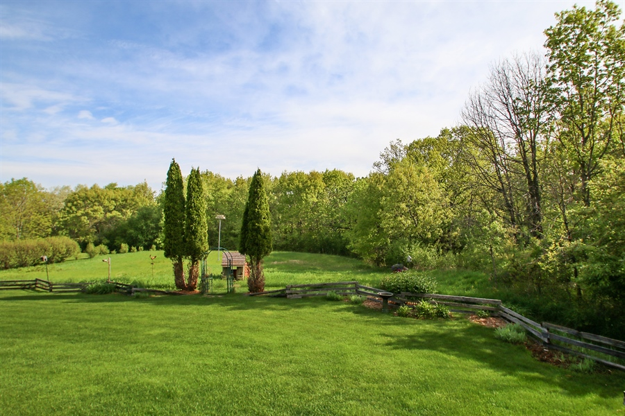 Real Estate Photography - W295 S 5278 Holiday Oak Ct, Genesee Depot, WI, 53127 - Back Yard