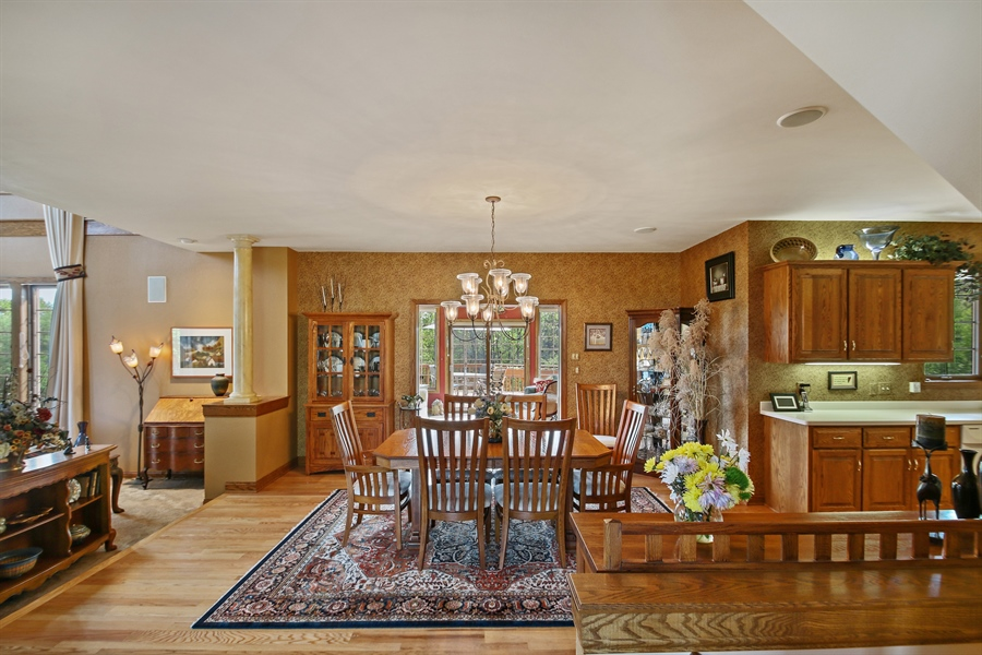 Real Estate Photography - W295 S 5278 Holiday Oak Ct, Genesee Depot, WI, 53127 - Entryway