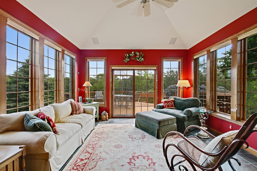 Real Estate Photography - W295 S 5278 Holiday Oak Ct, Genesee Depot, WI, 53127 - Sun Room
