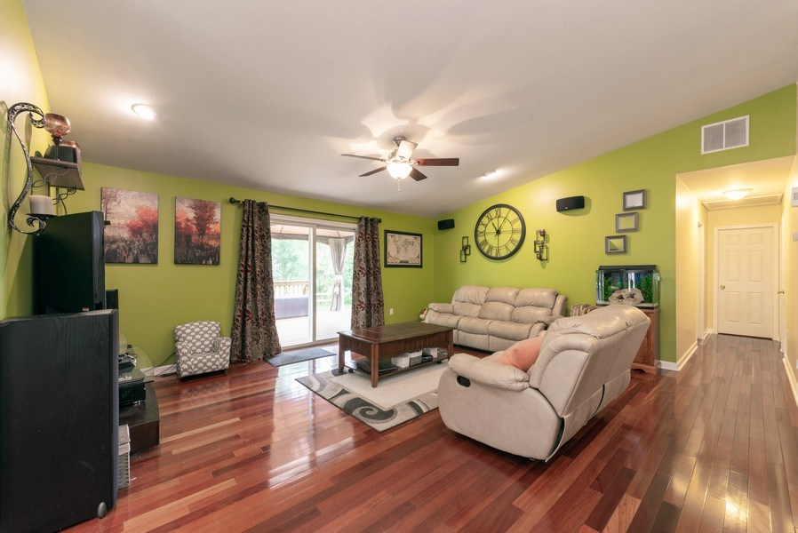 Real Estate Photography - 923 Essex Dr, Chesterton, IN, 46304 - Living Room