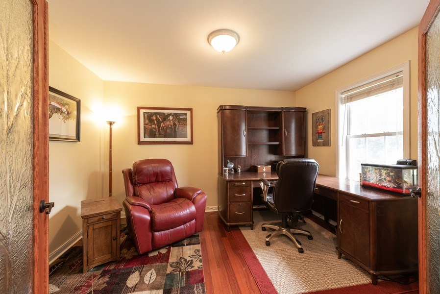 Real Estate Photography - 923 Essex Dr, Chesterton, IN, 46304 - Office