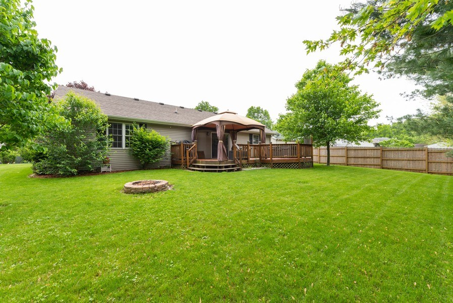 Real Estate Photography - 923 Essex Dr, Chesterton, IN, 46304 - Rear View