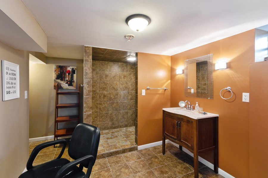 Real Estate Photography - 5532 DuPont Avenue, Brooklyn Center, MN, 55430 - 2nd Bathroom